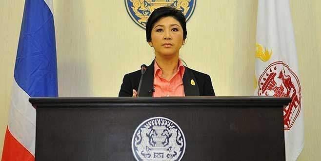 Tayland'da eski Başbakan Yinglak siyasetten men edildi