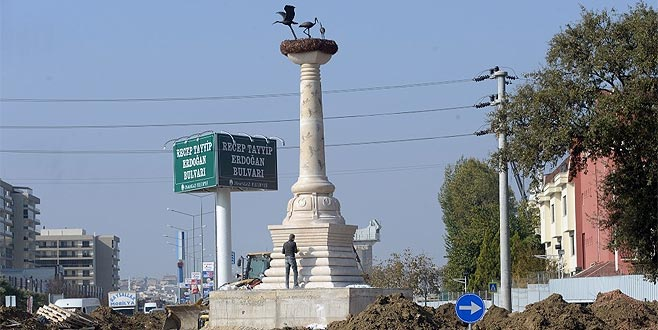 Bursa'ya iki anıt