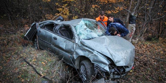 Bursa plakalı otomobil şarampole uçtu: 4 ağır yaralı