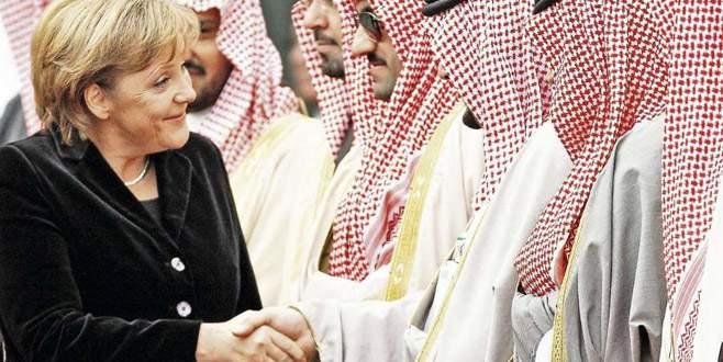 Merkel, Suudilere  silah satmayacak