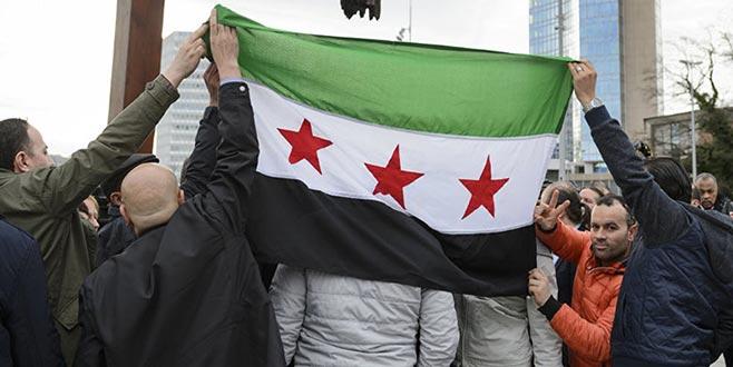 Silahlı gruplardan bayrak değişikliği