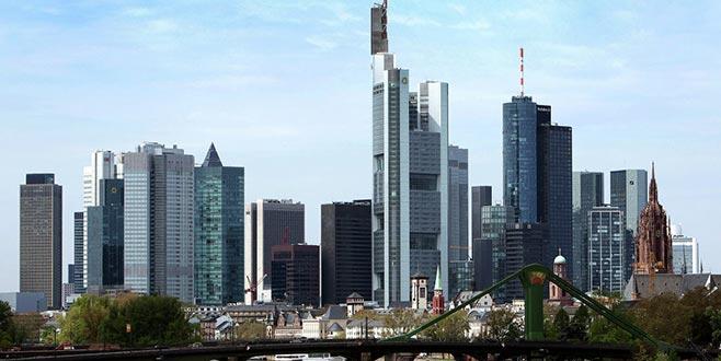 Frankfurt'ta asit sızıntısı