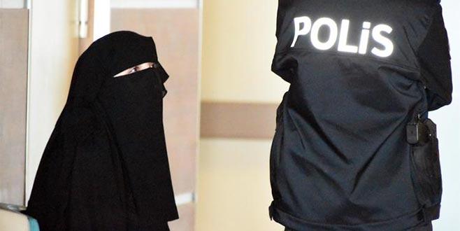 Atatürk'e hakaretten tutuklanan üniversiteli kız adli kontrolle serbest