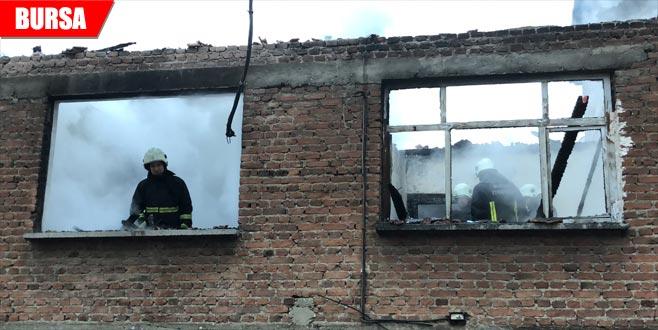 Sobayı yakmak isterken ev yandı
