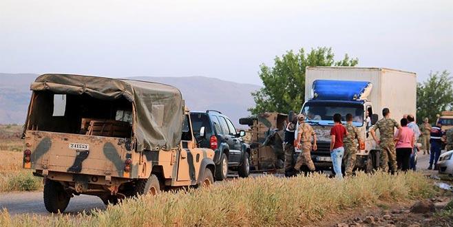 Askeri araç devrildi: 5 yaralı