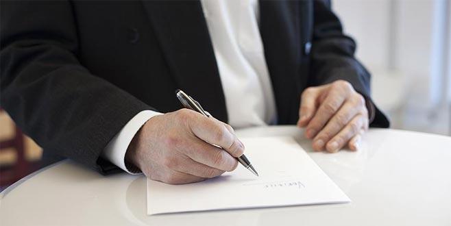 İmzaladığı boş sözleşme servetinden etti