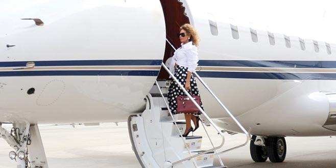 Klibi için uçak kiraladı