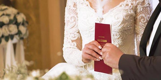 Yok artık dedirten hata! Doğumundan 11 yıl öncesine ait evlilik kaydı