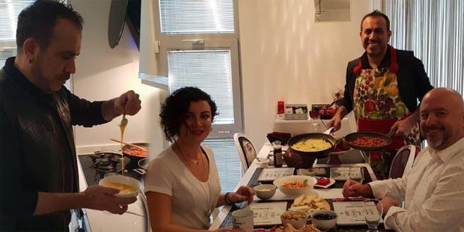 Haluk Levent evlerine gidip kahvaltı hazırladı!