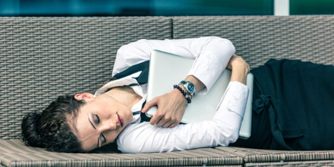 Bu şirketin çalışanları uyuyarak 3 bin lira kazanıyor!
