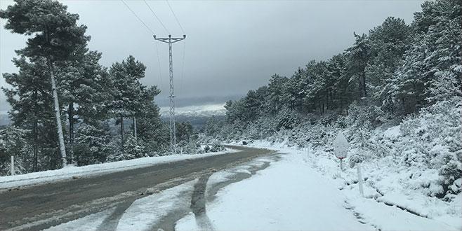 Bursa'nın dağ ilçeleri kar altında