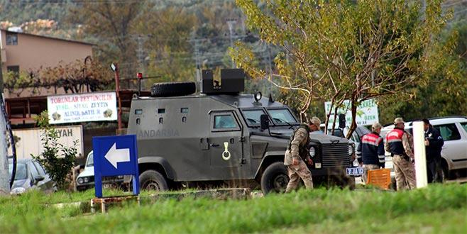 Askeri araç devrildi: 1 yaralı