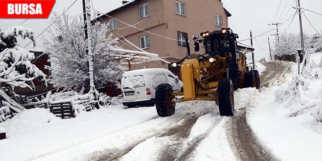 Kapanan köy yolları ulaşıma açıldı