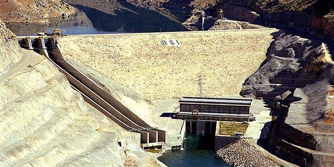 Şiddetli sel uyarısı! Baraj kapağı koptu