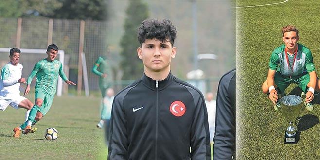 Kampa altyapıdan 3 futbolcu gelecek