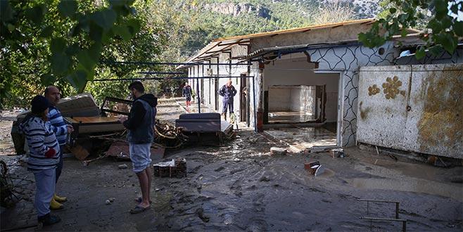 Turistik ilçede yağış hayatı olumsuz etkiledi