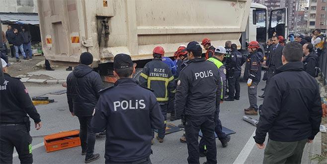 Trafiğe kapalı yolda kamyon dehşeti: 2 ölü