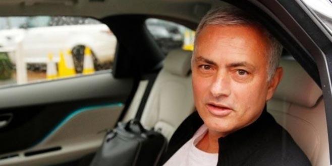 Görevden alınan Mourinho'nun otel borcu dudak uçuklattı!
