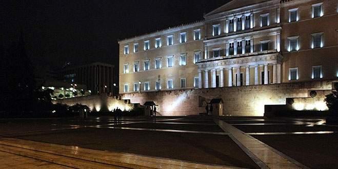 Yunanistan'da barikatlar kalktı