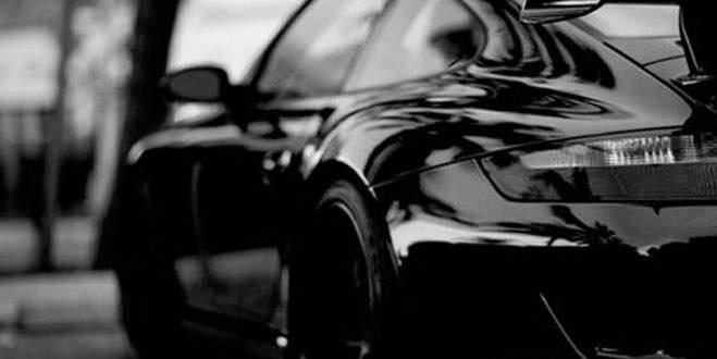 İlginç bir yasak daha...Siyah araba da yasaklandı!