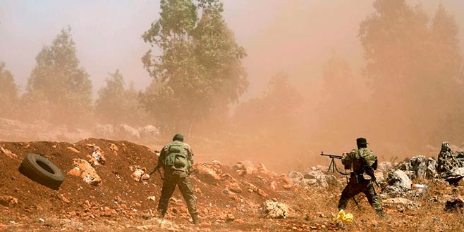 İdlib'de El Kaide ileÖSO çatışıyor