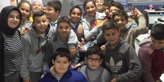 İlkokul öğrencilerinden örnek davranış