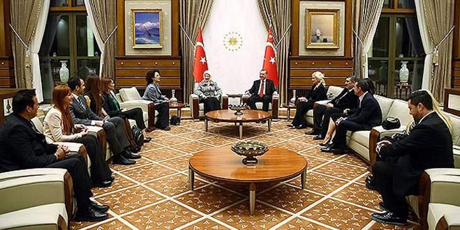 Cumhurbaşkanı Erdoğan sanatçıları kabul etti