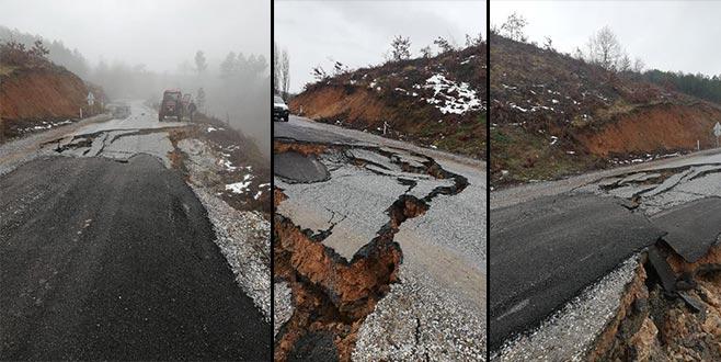 Yoğun yağış nedeniyle yol çöktü