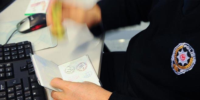 Hollandalı gazeteci sınır dışı edildi