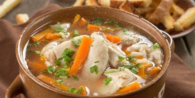 Vücut direncine karşı tavuk suyu çorbası!