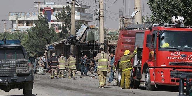 Afganistan'da valiye saldırı: 8 koruma öldü