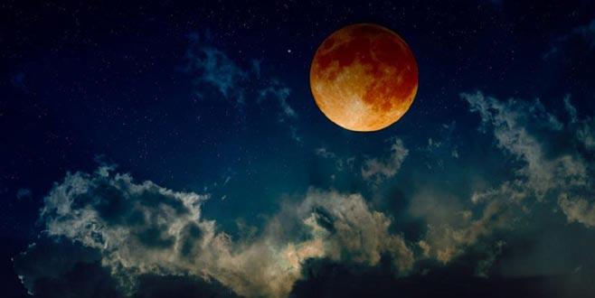 Kanlı Ay tutulması başladı!
