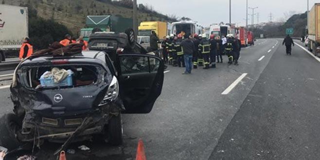 TEM'de kaza: İstanbul yönü ulaşıma kapandı
