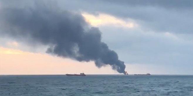 Kerç Boğazı'nda yanan gemilerdeki 8 Türk'ten haber var