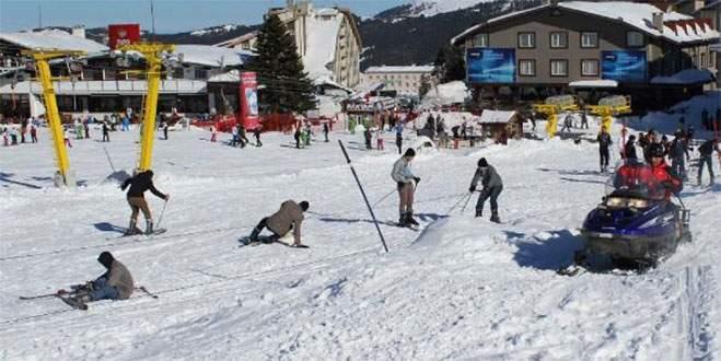 Uludağ'da düşe kalka kayak keyfi