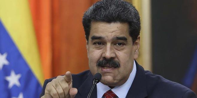 Sağcı AP üyeleriniVenezuela'ya almadı