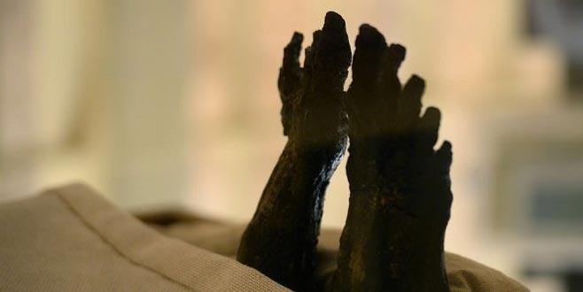 Yüzü ve ayakları yüzlerce yıl sonra görüntülendi!