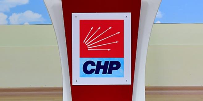 CHP'de iki belediye başkanı istifa etti