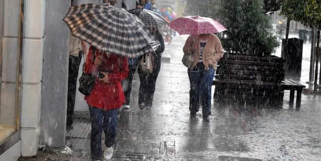 Lodos Bursa'yı terk ediyor, yerine yağmur geliyor!