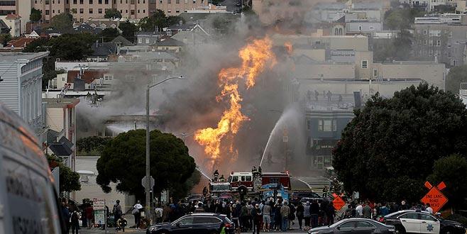 San Francisco alevler içinde