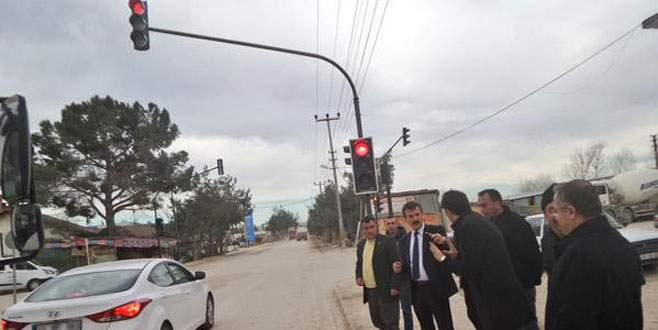 Kavşaklara akıllı trafik lambaları
