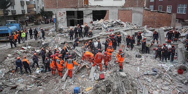 İstanbul'da çöken bina davasında tahliye