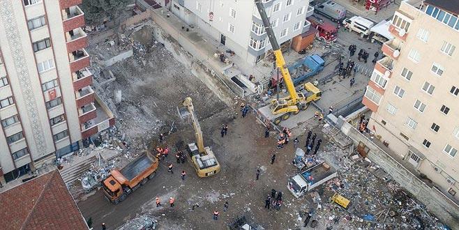 Çöken binada deliller toplandı