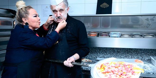 Safiye ve Faik'ten aşk pizzası