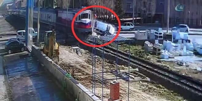 Dehşete düşüren kaza kamerada: 2 ölü