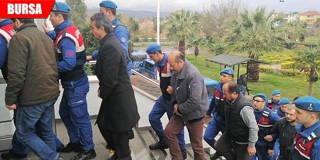 Kaçak kazıya çifte tutuklama