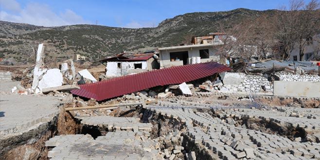 Toprak kaydı, evler tahliye edildi
