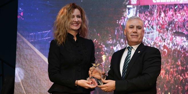 Nilüfer'e yılın mutluilçesi ödülü verildi