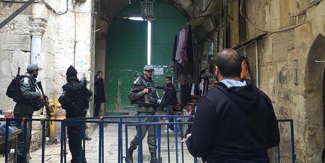 İsrail polisi Mescid-i Aksa'yı kapattı