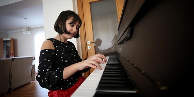 Bursalı piyanist yarışmalara Fazıl Say'ın hediyesiyle hazırlanacak